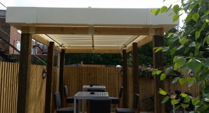 21b Pubrestaurant, Fleet, Hampshire - Outdoor commercial drinking and dining area